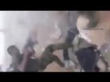 Особая ненависть к мертвому боевику ИГИЛ. В кадре боец Хезболлы