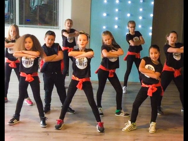 Meghan Trainor - Better when I'm Dancing - Easy kids dance warming-up choreography