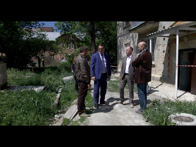 Алексей Кожемяко провел объезд жилых домов, находящихся в стадии капитального ремонта