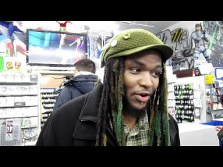 Woolie chooses MvC3 over sex. With two women. At the same time.