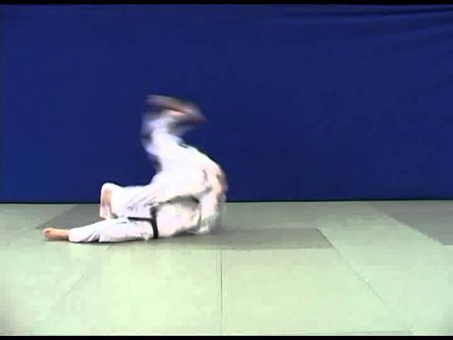 Yoko guruma - Бросок через грудь вращением (седом)