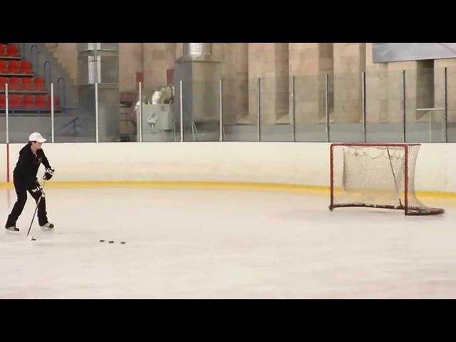 Хоккей:обучение кистевому броску