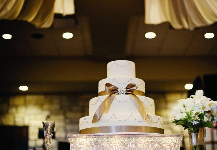 nB72PlIhaZ8 - «Металлические» свадебные торты 2016 (75 фото)