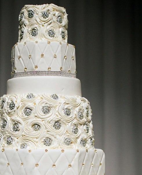 5WaShs9pl68 - «Металлические» свадебные торты 2016 (75 фото)