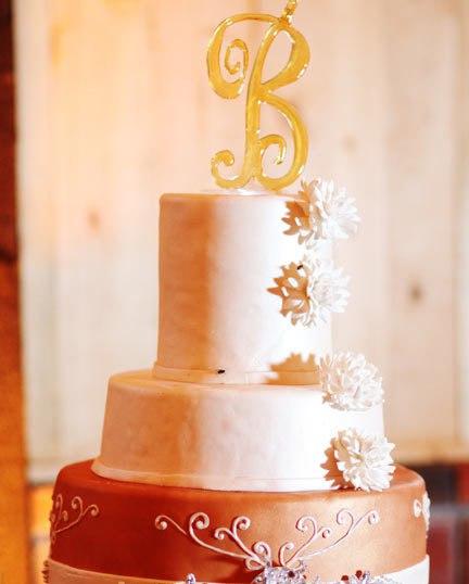 2RNBjHqrROc - «Металлические» свадебные торты 2016 (75 фото)