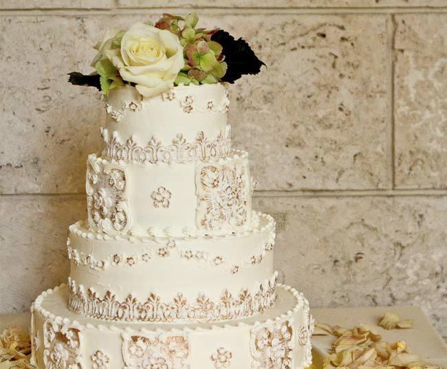 xw7QCvoL3A4 - «Металлические» свадебные торты 2016 (75 фото)