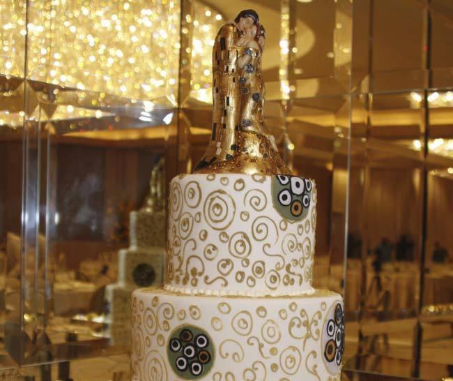 6ynKyc5gylE - «Металлические» свадебные торты 2016 (75 фото)