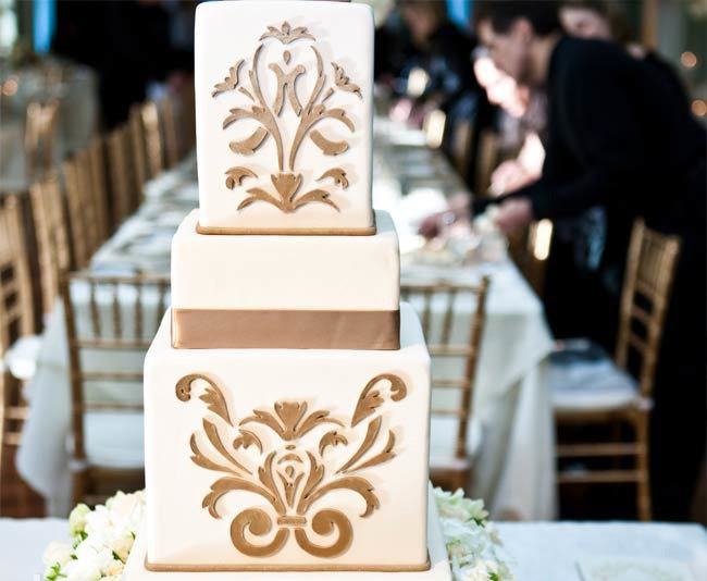 WbmcjPKNBAc - «Металлические» свадебные торты 2016 (75 фото)