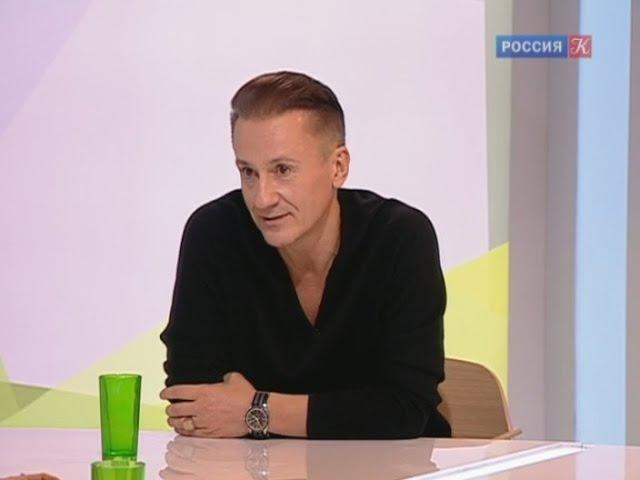 Олег Меньшиков в программе Наблюдатель о спектакле Счастливчики