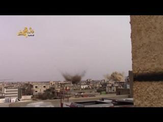 Сирия. Бомбовый удар по позициям боевиков в Шейх-Мискин. .