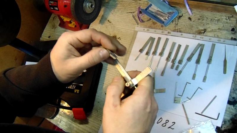 обучяем открывать замки. продажа отмычки свертыши. сайтmedvejatnik.kiev.ua