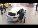 Уфимец купил новый автомобиль в автосалоне, а на следующий день с него облетела ...