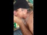 Видео о муже который типа сосет член