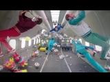 Музыкальный клип снятый в невесомости [OK Go - Upside down & Inside Out]