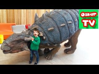 Динозавры выставка 1ч., катаемся на Тракторе, гуляем в магазине игрушек, катаемся на паровозике,