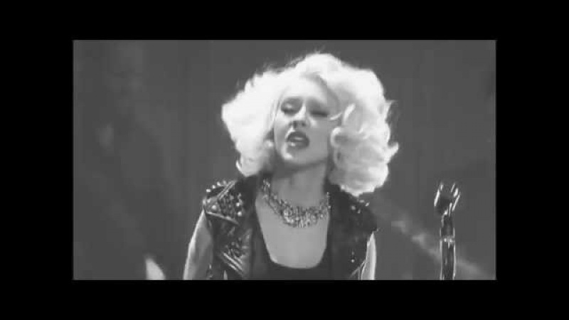Christina Aguilera Fighter Live at VH1 Storytellers 2010