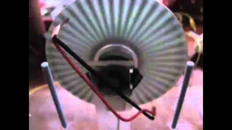 Электростатическая машина Вимшурста с мотором