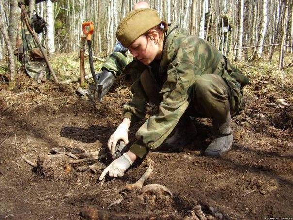Архангельские поисковики ищут родных солдата