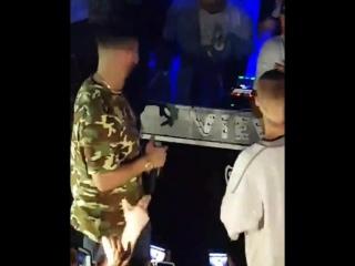 (8)April 30: Fan taken video of Justin and Drake at La Vie in Toronto, Canada.