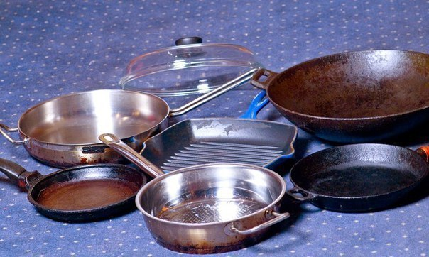 На даче «сжечь» посуду легко – чуть