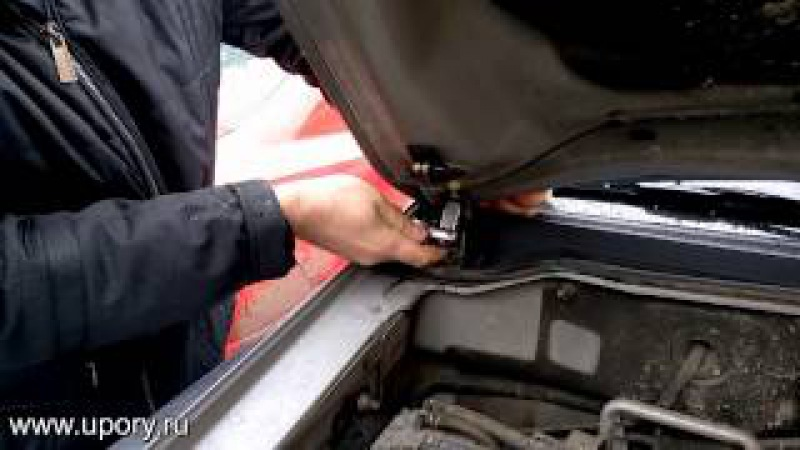 Установка амортизаторов (упоров) капота для автомобиля Mitsubishi Pajero 4 (Pajero 3) от upory.ru