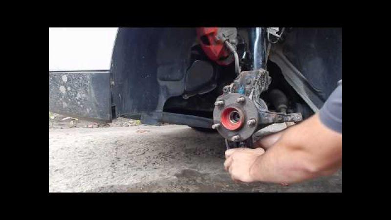 Замена ступицы Форд Фокус 2. Снимаем поворотный кулак