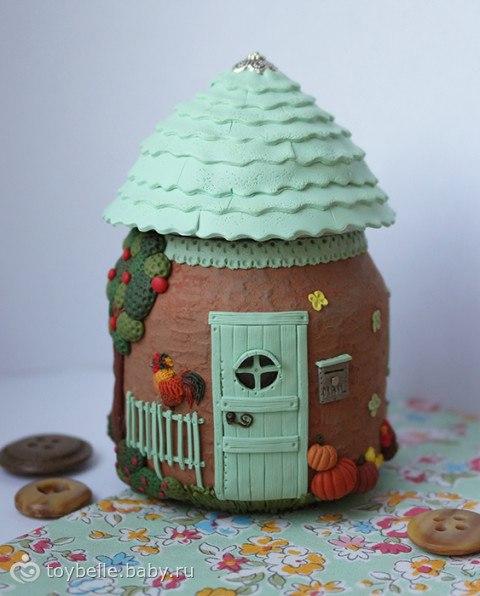 Декор баночек из детского пюре используя холодный фарфор или пластик.