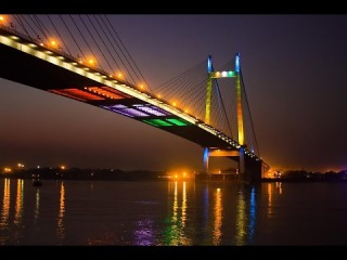Жесть! Вандалы открыли мост в Нижнем Новгороде!
