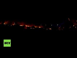 Крупный пожар вспыхнул в лагере беженцев в Кале