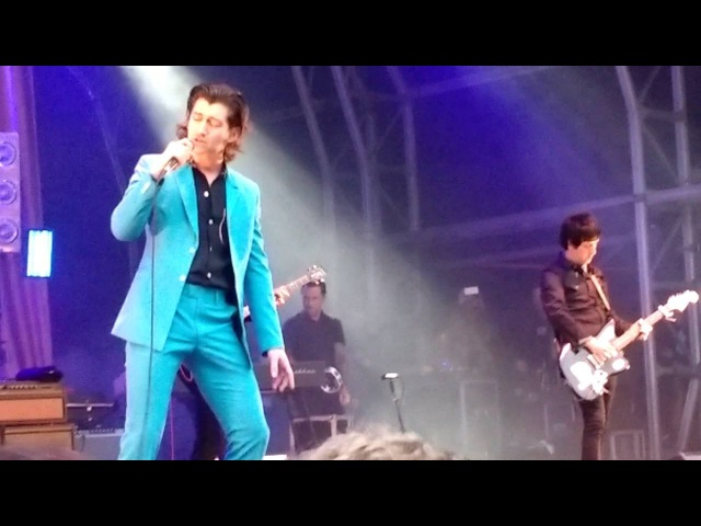 The Last Shadow Puppets - Last Night I Dreamt That Somebody Loved Me (Live at the Castlefield Bowl)