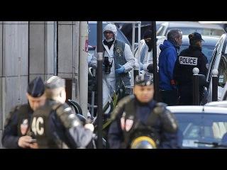 Париж: на теле нападавшего на полицейский участок был муляж бомбы