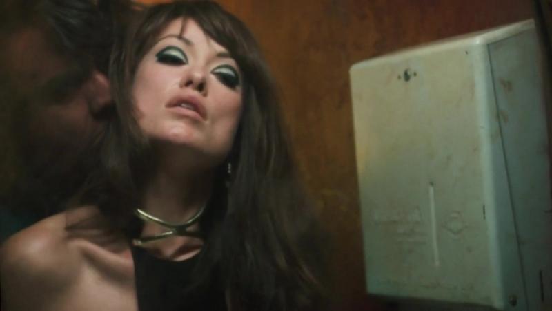 Olivia Wilde Sexy Vinyl (2016) (s01e02) (эротическая постельная сцена из фильма знаменитость трахается голая секс sex scene)