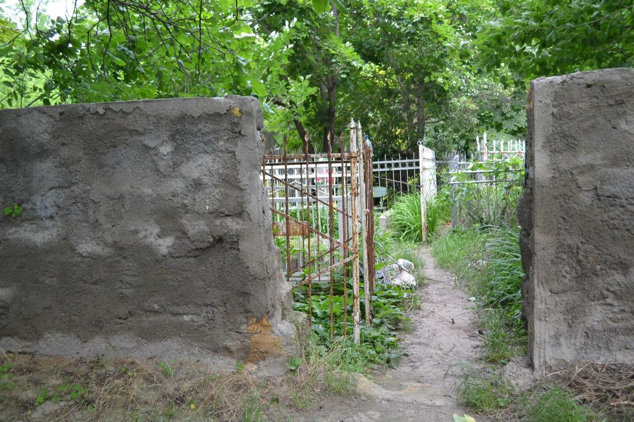 Украина. Одесса. Офицерское кладбище. Июнь 2016 г. (фото и описание) SL786X_ti8Q