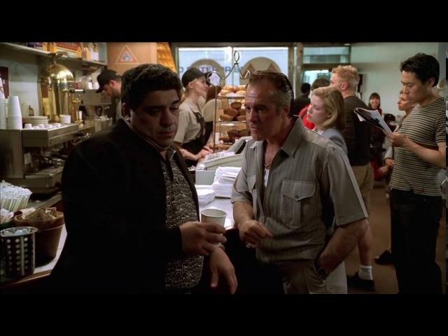 The Sopranos (Клан Сопрано) | Поли втирает про еду