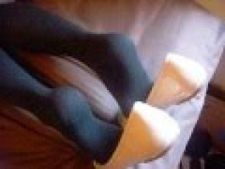 Heelpopping with nude flats and knee high black socks/ barefoot