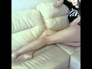 Стримерша Карина Sharishaxd голая на диване фото