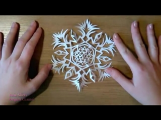 Ажурная снежинка из бумаги Paper Snowflake [Low, 360p]