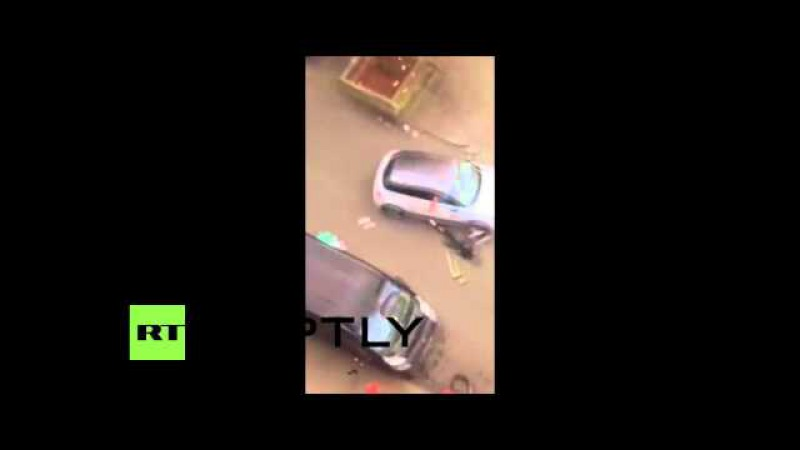 Бельгия: Момент Мусульманка пробегают в Моленбек поймали на пленке.