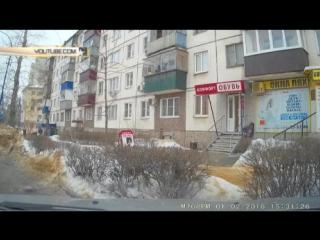 Второй день рождения: ледяная глыба едва не убила девушку в Липецке 2016 02 03