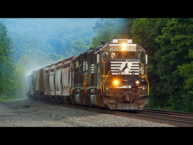 Fast Freights on the NS Pittsburgh Line June 2013