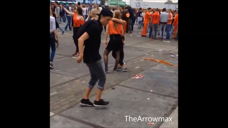 Rave and Shuffle on Deep House - Techno dance moves - Konijnendans Compilation 2 (online-video-cutter.com) (1)