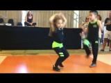 Нереально крутой танец