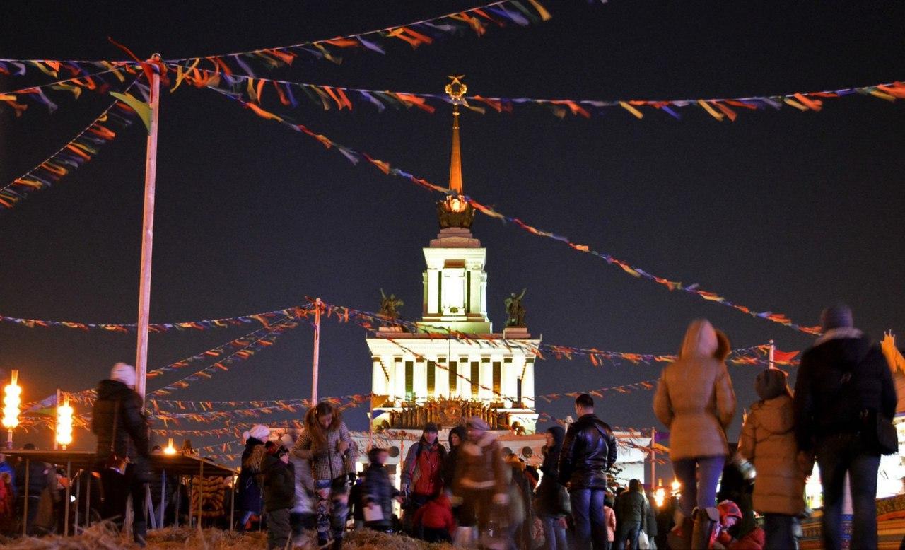 Молодые парламентарии района Текстильщики совершили блог-тур по ВДНХ, Москва
