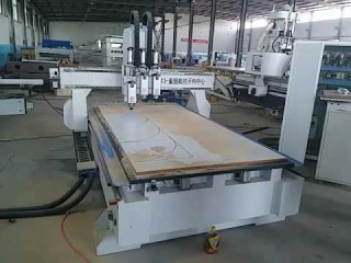 Three spindles cnc router 1325 for wood door making