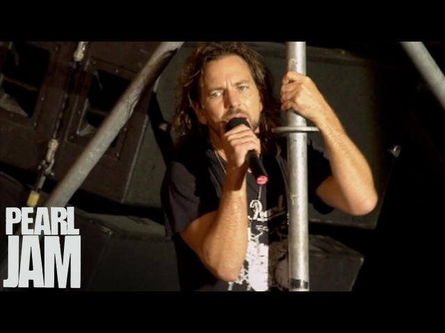 Rockin' In The Free World - Immagine In Cornice - Live In Pistoia, Italy - Pearl Jam