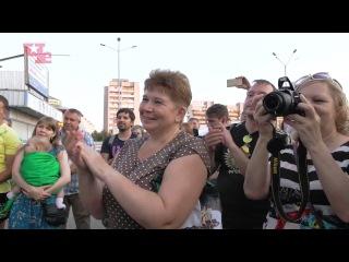 Чиж и Маргулис поют на рынке в Дзержинске