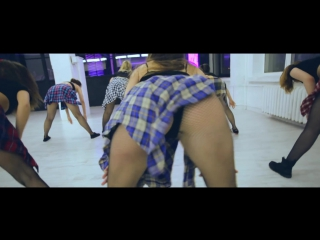 Тверк - катя шошина_choreo by shoshina katerina (booty dance)_major lazer - roll the bass