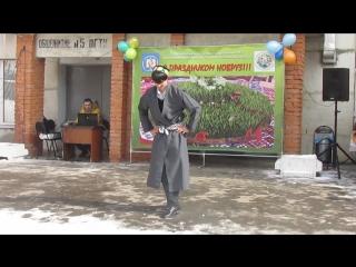 Искандар Халимов - таджикский танец. Ракси точики (Навруз-2016, ПГУ Пенза, Россия)