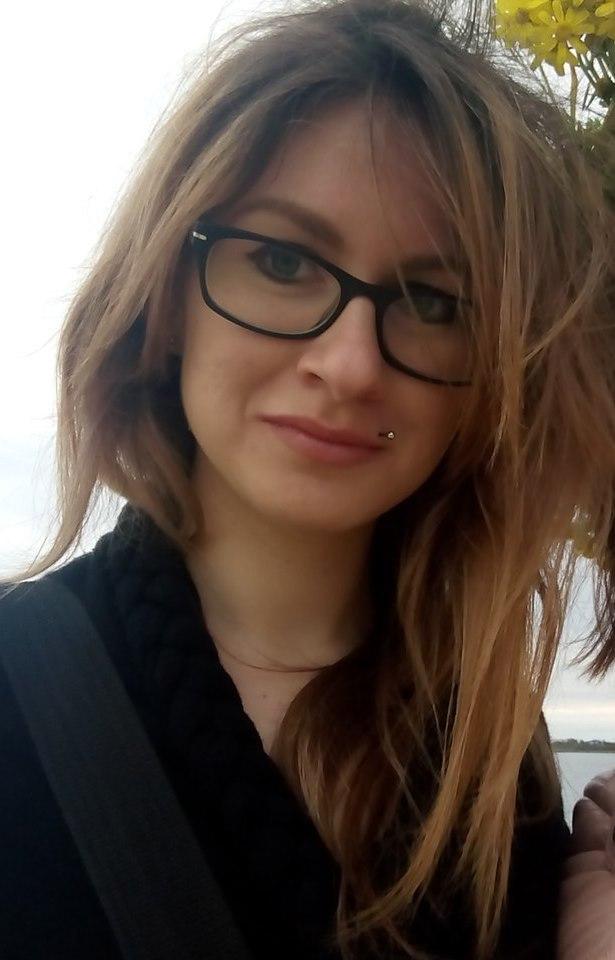 Девочка в очках порно