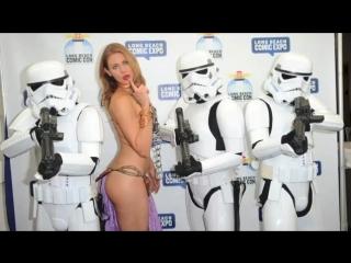 100s of Girls in Slave Leia Bikinis  (Cosplay)